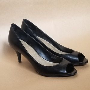 Tahari black leather marie peep toe pumps